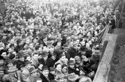 1952/53 Andrang vor dem Stadion